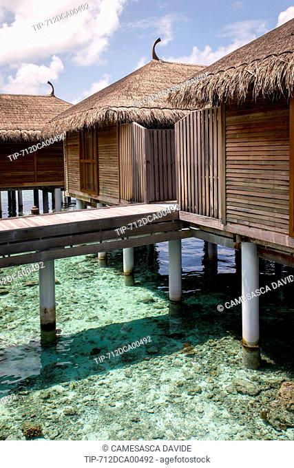 Maldives, Ari Atoll, Moofushi Resort, Water Willas