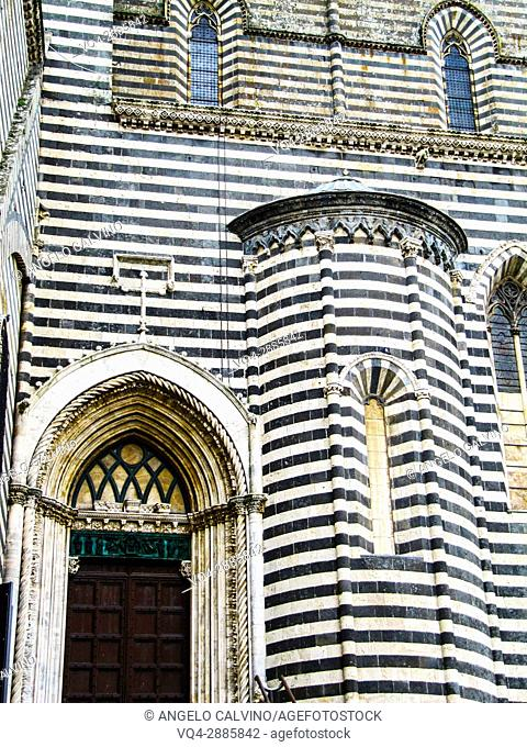 Lateral side of the Duomo di Orvieto, Orvieto cathedral, gothic, Umbria, Italy, Europe