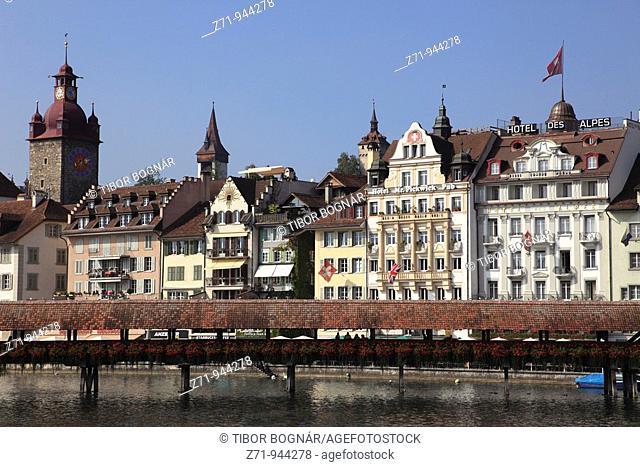 Switzerland, Lucerne, Luzern, old town skyline, covered bridge