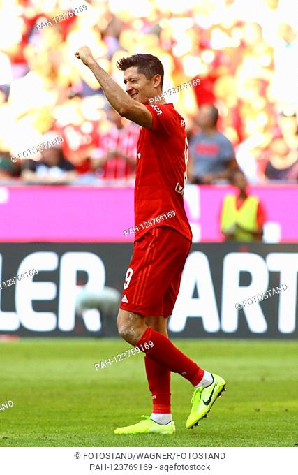 Muenchen, Germany 31st August 2019: 1. BL - 19/20 - FC Bayern Munich Vs. FSV FSV FSV Mainz 05 Robert Lewandowski (Bayern Munich) celebrates after his goal to 5:...