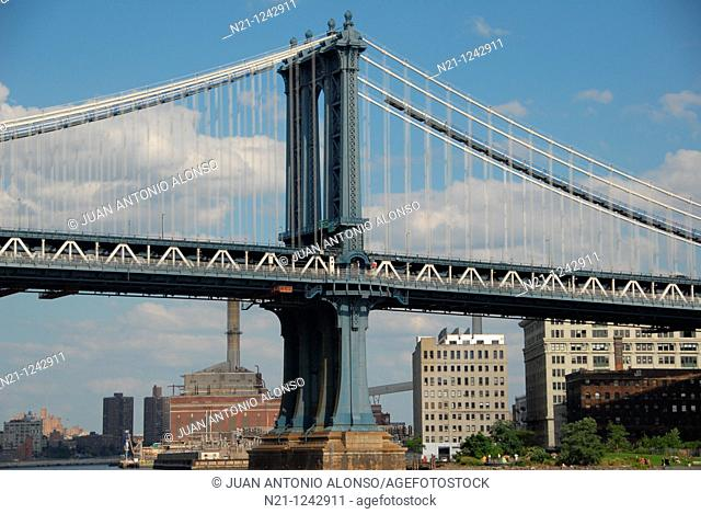 Manhattan Bridge over the East River, Downtown East Manhattan.  New York, New York. USA