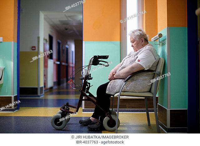 Woman, 85 years, in a nursing home