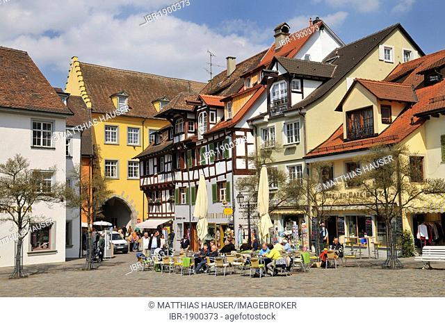Schlossplatz square, Meersburg on Lake Constance, Baden-Wuerttemberg, Germany, Europe