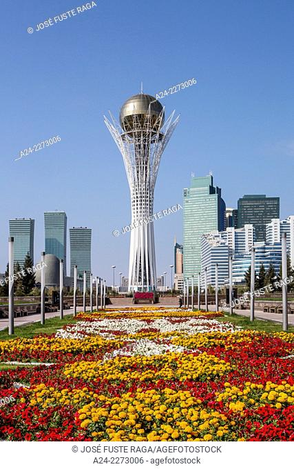 Kazakhstan, Astana City, New Administrative City,Nurzhol Avenue and Bayterek Monument