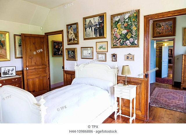 France, Normandy, Giverny, Monets Garden, Monet's House, Monet's Bedroom