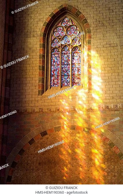 France, Haute Garonne, Toulouse, Couvent des Jacobins Jacobin convent, church 's stained-glass window