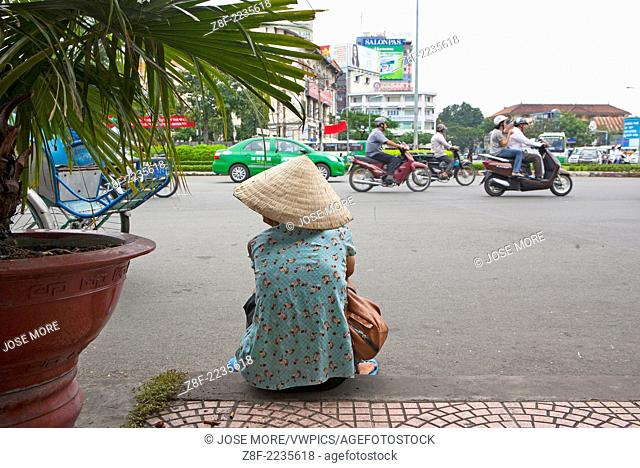 Ho Chi Minh City ( Thành ph? H? Chí Minh ), formerly named Saigon is the largest city in Vietnam with a population reaching 10 million