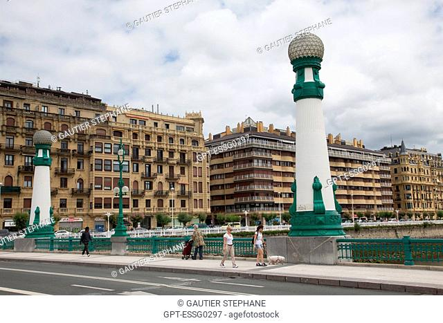 ZURRIOLA BRIDGE AND BELLE EPOQUE STYLE BUILDING, SAN SEBASTIAN, DONOSTIA, BASQUE COUNTRY, SPAIN
