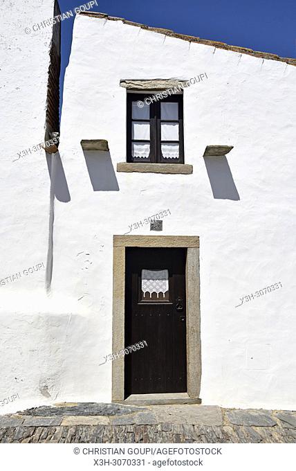 Perched village Monsaraz, Municipality of Reguengos de Monsaraz, Alentejo region, Portugal, southwertern Europe