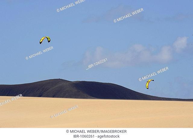 Kitesurfers practicing in Dunes Natural Park of Corralejo, Fuerteventura, Canary islands, Spain, Europe