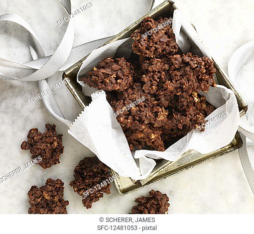 Quick chocolate cornflake bites in a tin (top view)