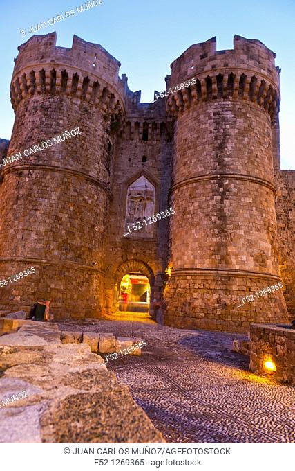 Marina Door of the medieval city, Rhodes Town, Rhodes Island, Dodecaneso, Greece, Mediterranean Sea