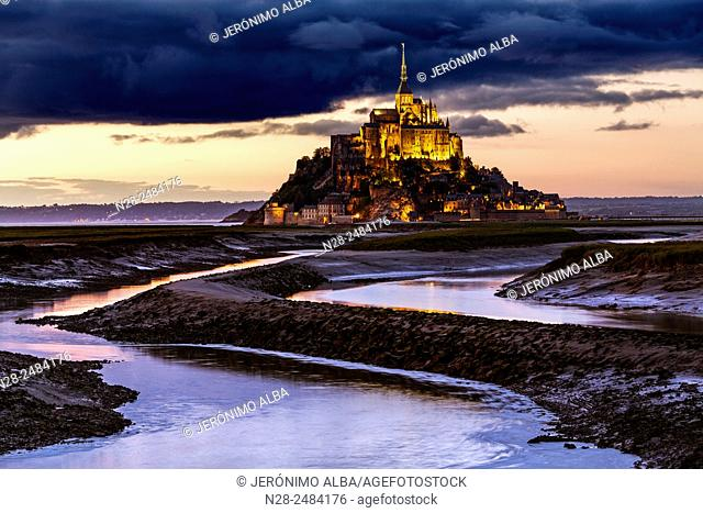 Couesnon river and Mont Saint-Michel Benedictine abbey, Lower Normandy, Manche, France, Europe