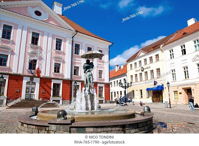 Raekoja Square (Raekoja plats), Tartu, Estonia, Baltic States, Europe