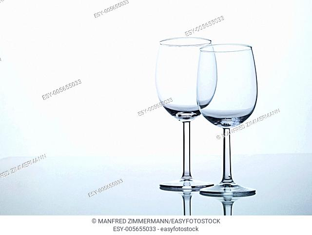 Two empty wine glasses on Spiegelflaeche