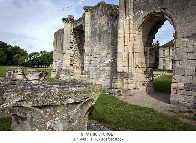 RUINS OF THE 13TH CENTURY ABBEY CHURCH, ESTATE OF THE FORMER ROYAL ABBEY OF CHAALIS, FONTAINE-CHAALIS, OISE (60), FRANCE