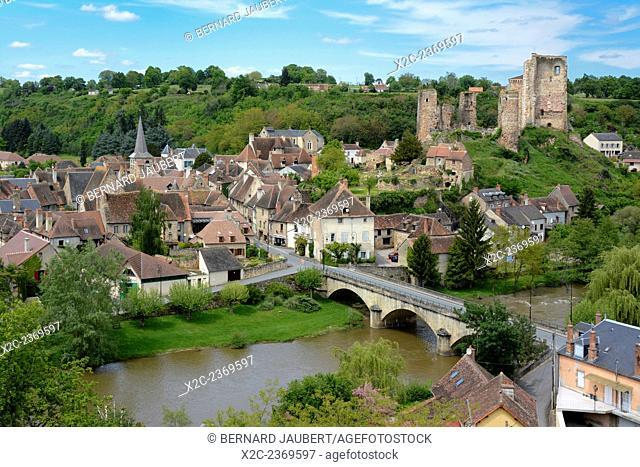 Village of Herisson, the castle, Bourbonnais, Allier, Auvergne, France, Europe