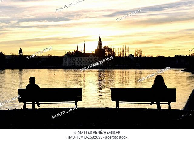 Germany, Bade Wurtemberg, Lake Constance (Bodensee), Konstanz, Seestrasse with a view of the Cathedral (Münster)