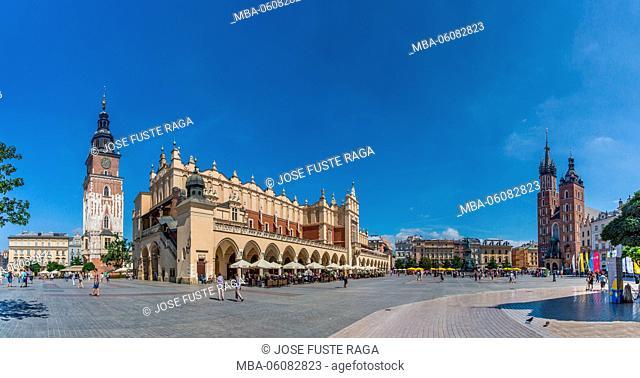 Poland, Krakow City, Market Square, Town Hall Tower (Wieza Ratuszowa) and St. Mary's Basilica, Panorama