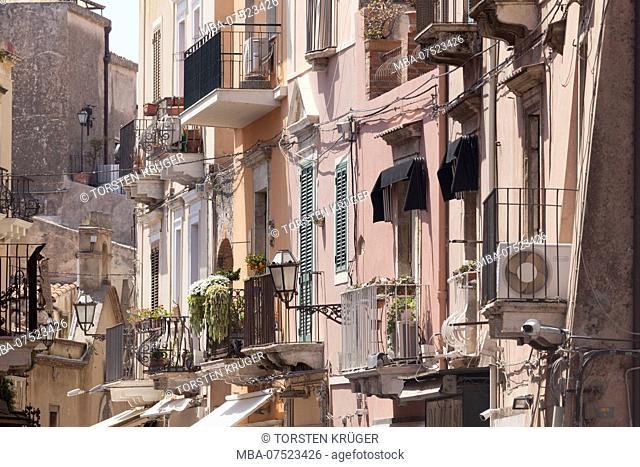 Old house facades, Corso Umberto (main street), Taormina, Province of Messina, Sicily, Italy, Europe