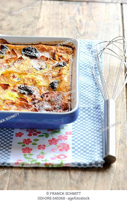 Apple and prune far breton