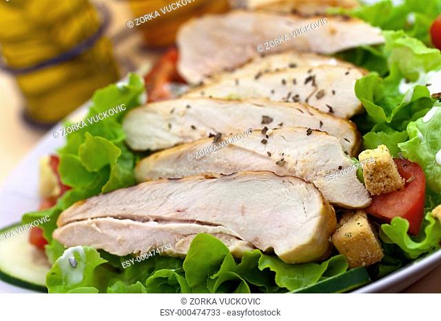Cäsar Salat mit Hühnerbrust