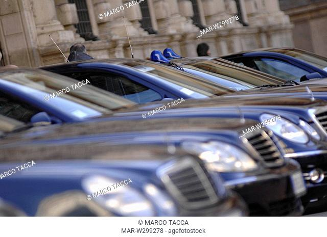 milan, cars in front of palazzo marino