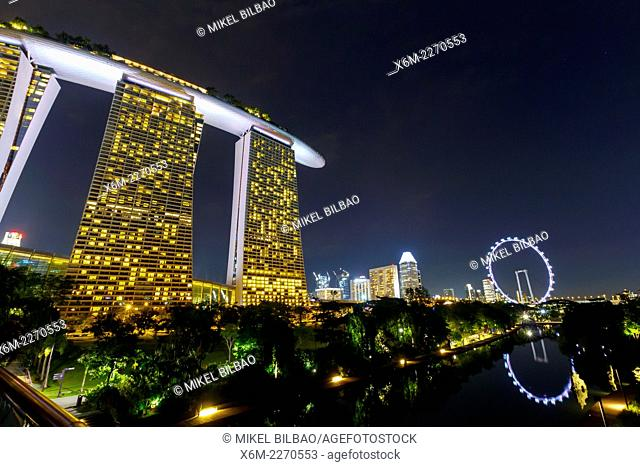 Marina Bay Sands hotel and Singapore Flyer. Singapore, Asia