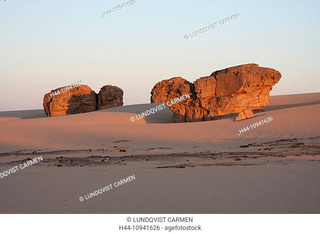 Algeria, Africa, north Africa, desert, sand desert, Sahara, Tamanrasset, Hoggar, Ahaggar, rock, rock formation, Tassili du Hoggar, morning, morning sun, nature