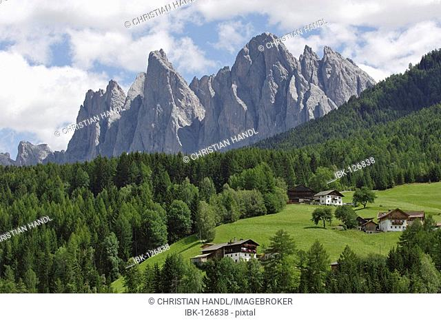 Farmhouses and mountains of the Geisler range, Villnößtal, South Tyrol, Italy