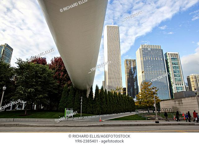 Nichols Bridgeway linking the The Art Institute of Chicago Modern Wing to Millennium Park over Monroe Street in Chicago USA