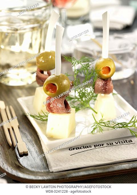 pincho de anchoa y queso manchego