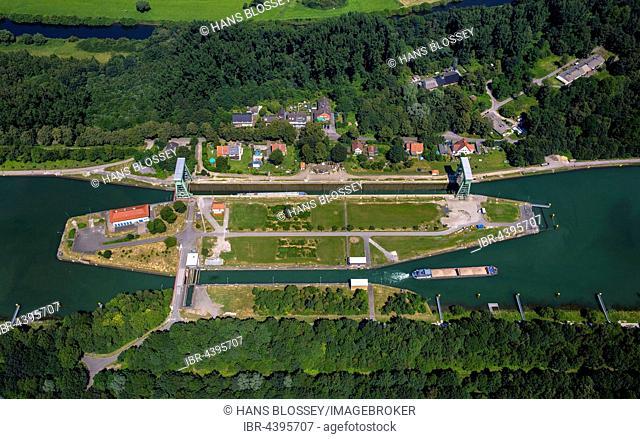 Aerial view of Dorsten Lock, Wesel-Datteln Canal, inland waterways, Dorsten, Ruhr, North Rhine-Westphalia, Germany
