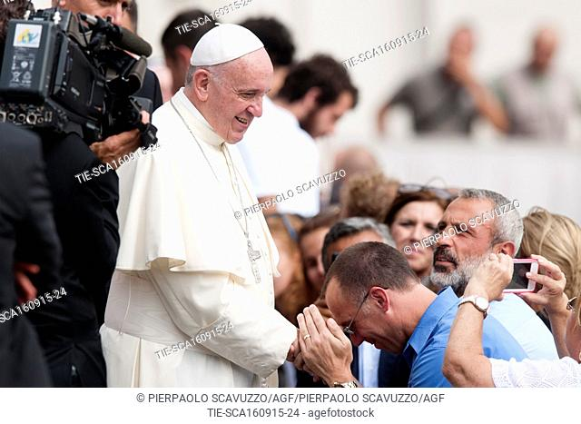 Pope Francis greets the faithfuls during the General audience, St. Peter Square, Vatican, Rome, ITALY-16-09-2015  Journalistic use only