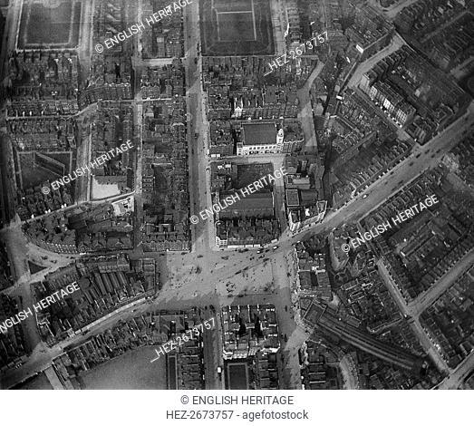 Sloane Square, London, 3 April 1909. Artist: Unknown