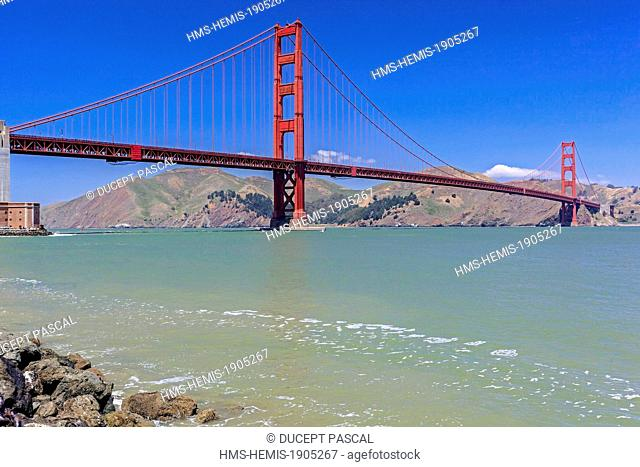 United States, California, San Francisco, Golden Gate National Recreation Area, Presidio of San Francisco, the Golden Gate Bridge