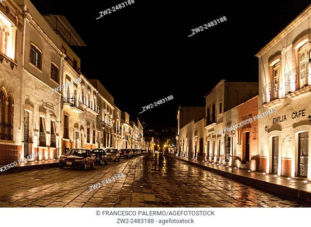 Night lighting of the downtown alleys. Zacatecas, ZAC. Mexico