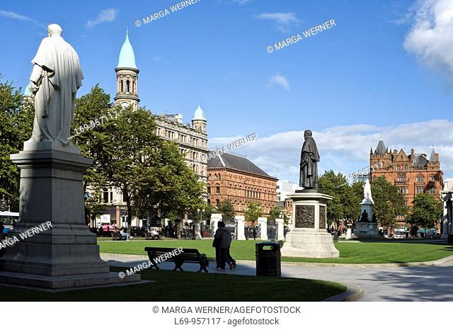 Donegall Square with park in front of city hall, Belfast, County Antrim, Northern Ireland, UK