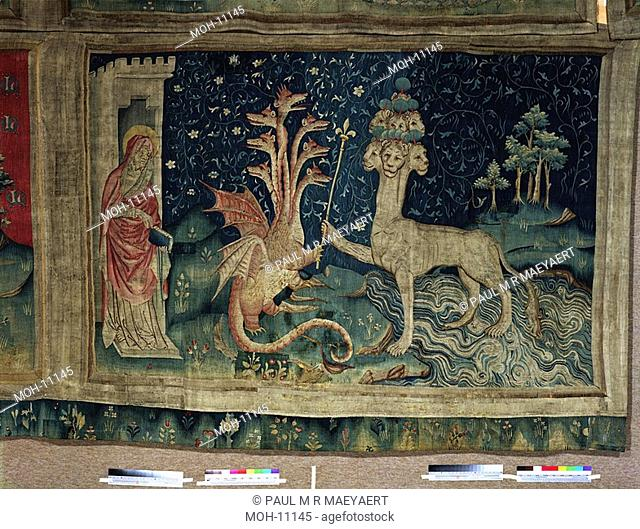La Tenture de l'Apocalypse d'Angers, Le Bête de la mer 1,56 x 2,35m, Der Drache und das Tier aus dem Meer