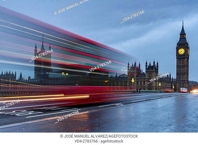 Big Ben, Palace of Westminster and typical bus. London, United Kingdom