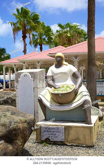 """""""""""The Market Woman"""" statue by Marty Lynn"