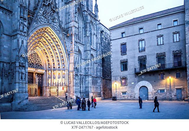Main entrance to the Cathedral of the Holy Cross and Saint Eulalia, Gothic quarter, Barcelona, Catalonia, Spain