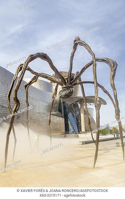 Maman sculpture in Guggenheim Museum, Bilbao, Spain