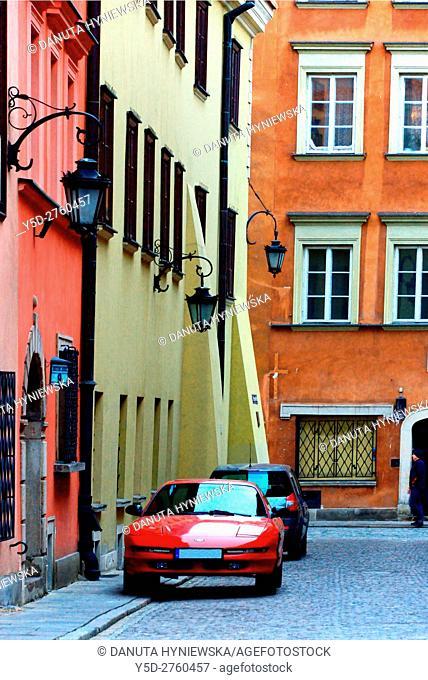 Krzywe Kolo street, Old Town of Warsaw, UNESCO World Heritage, Warsaw, Poland, Europe