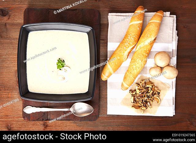 Champignon cream soup