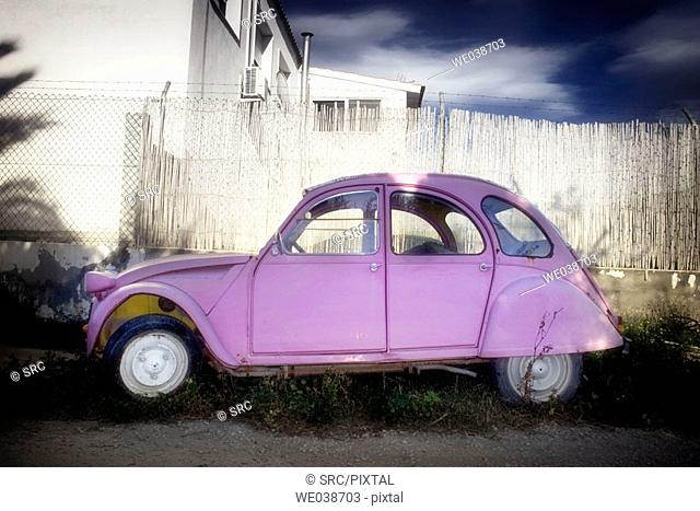 Citroën 2CV, abandoned