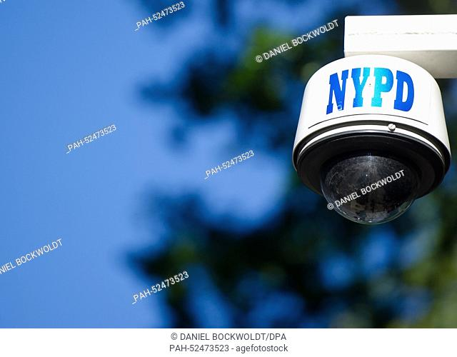 A video camera from the New York City Police Department (NYPD) in New York City, 26 September, 2014. Photo: Daniel Bockwoldt/dpa | usage worldwide