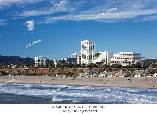 USA, California, Los Angeles-area, Santa Monica, skyline from Santa Monica Pier