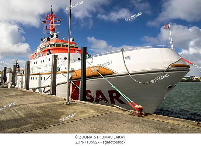 Seenotrettungskreuzer DGzRS Hermann Marwede im Helgoländer Hafen. Life boat DGzRS Hermann Marwede in the harbour of Helgoland