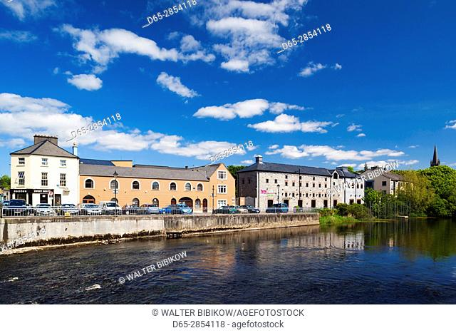 Ireland, County Sligo, Sligo, town view along the River Garavogue